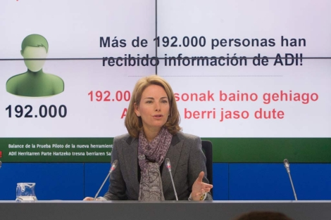 La presidenta del Parlamento Arantza Quiroga ofrece el balance del programa. | Mitxi