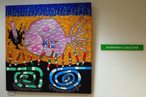 Uno de los cuadros expuestos en los pasillos del Centro Oncológico de Galicia. | Pepe Losada