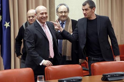 Wert, con Toni Cantó y Odón Elorza, esta mañana en el Congreso. | Efe
