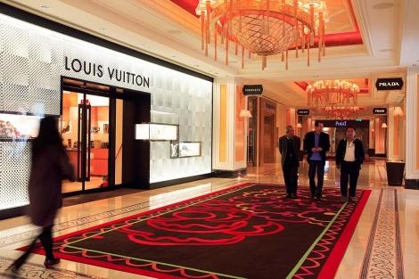Tienda de Louis Vuitton en un hotel de Macao (China).   Gtres