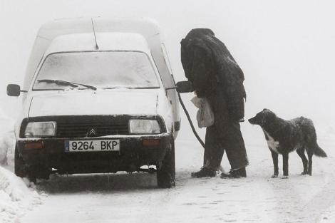 La nieve y las bajas temperaturas se han comenzado a sentir en Navarra. | Efe