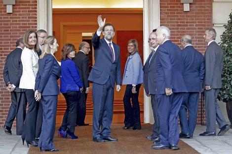 Mariano Rajoy y sus ministros, en La Moncloa. | Alberto Cuéllar