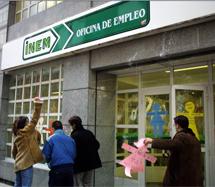 Protestas ante el INEM en el año 2000. | Eloy Alonso