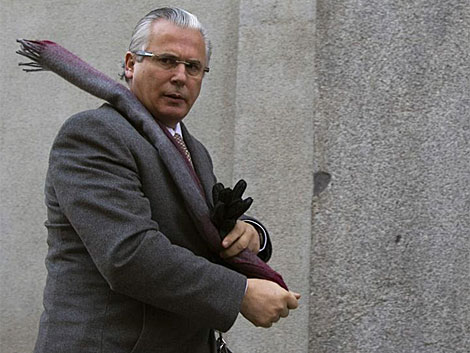 Baltasar Garzón, a su llegada ayer al Tribunal Supremo por el juicio del franquismo. | Reuters