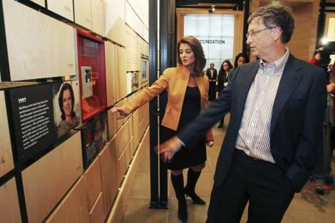 Bill y Melinda Gates en la presentación de una sede de su fundación.   Reuters