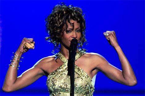 La cantante, enérgica, tras una interpretación en 2003. | Reuters