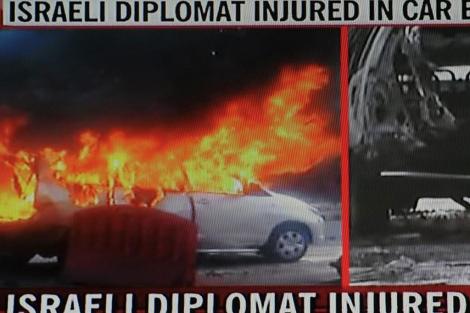 Imágenes de la cadena NDTV del coche del embajador israelí en Nueva Delhi.   Afp