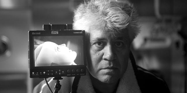 Pedro Almodóvar, durante el rodaje de 'La piel que habito. | Lucía Faraig / El Deseo