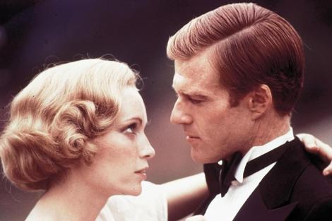 Mia Farrow y Robert Redford, en un fotograma de 'El gran Gatsby'.
