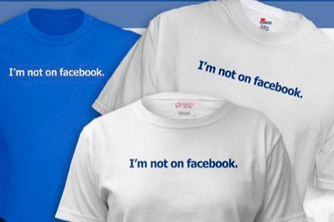 Camisetas de la tienda en internet http://www.im-not-on-facebook.com/
