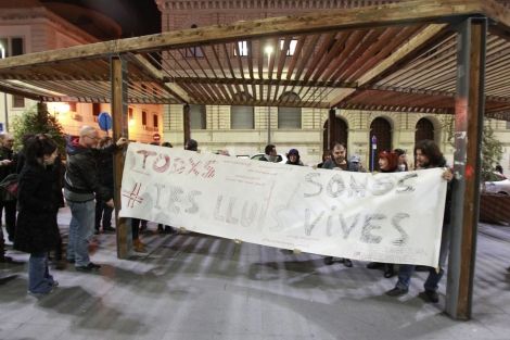 Pancarta de apoyo realizada por los asistentes al acto. | Ernesto Caparrós