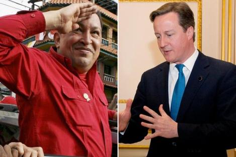 El presidente Hugo Chávez y el 'premier' David Cameron. | Reuters | Afp