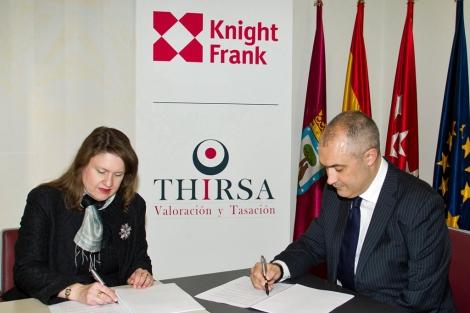 María del Mar Domínguez, directora de Thirsa, y Alberto Prieto, director de Knight Frank España.