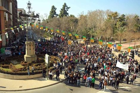 La manifestación ha partido de la plaza de la Independencia en Castellón. | E. Torres