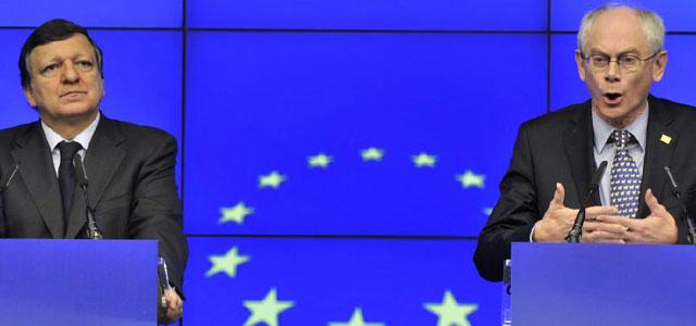 Barroso y Van Rompuy, en rueda de prensa en Bruselas. | AFP