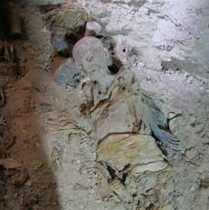 Una de las momias halladas en la tumba de Hery. | R.M.T.