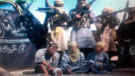 Imagen del vídeo en el que se veía a los tres secuestrados.