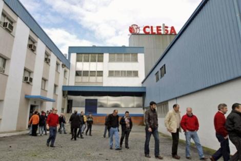 Trabajadores de Clesa en la planta de Caldas. | Efe