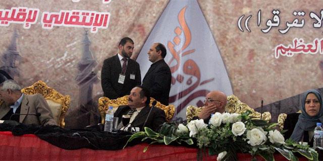 Líderes tribales durante la ceremonia celebrada en la ciudad de Bengasi. | AFP
