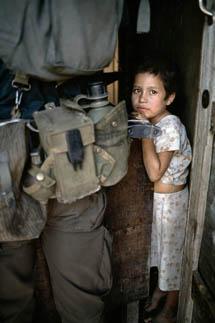 Niña desplazada. El Salvador. Marzo de 1989. © Gervasio Sánchez