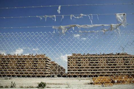 Decenas de bloques de pisos de Seseña en manos de entidades financieras. | A. Di Lolli