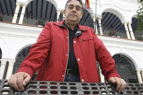 El ex alcalde de Almonte, Francisco Bella, ahora denunciado por el gobierno municipal del PP. | J. Yáñez