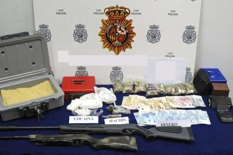 Material incautado por la Policía Nacional en el operativo.   P.N.