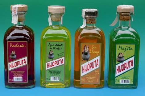 Botella de orujo 'Hijoputa'.