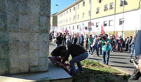 El sindicato nacionalista CIG realizó su propio homenaje al margen del oficial. | R. S.