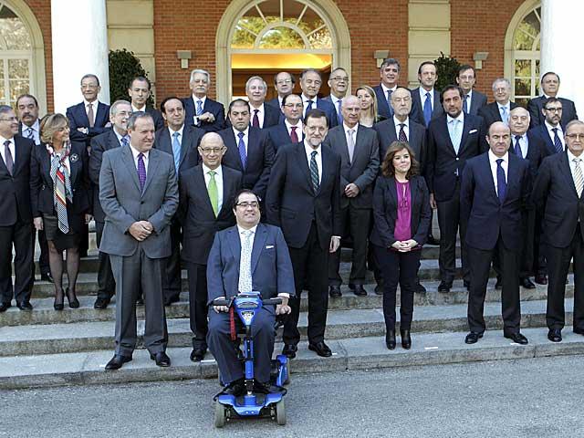 Rajoy, Montoro y Santamaría, antes de reunirse con los proveedores, | Barrenechea / Efe