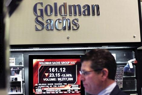 Un broker de Goldman Sachs en la Bolsa de Nueva York. | Afp
