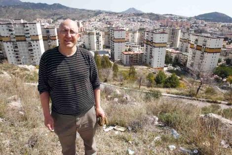 Antonio Villanueva en la barriada malagueña de Palma-Palmilla. | Antonio Pastor