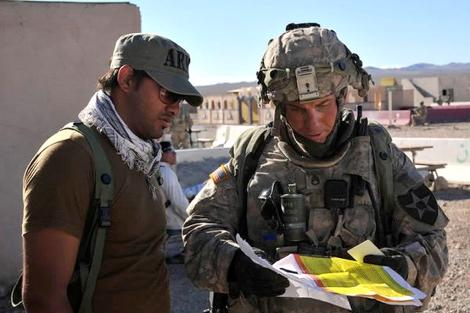 El soldado Bales, a la derecha. | Imagen: The Political Notebook