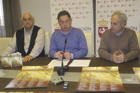 El vicepresidente primero de la Diputación, Marcos Martínez (c), ayer en la presentación del XXIV Memorial de Ángel Barja.
