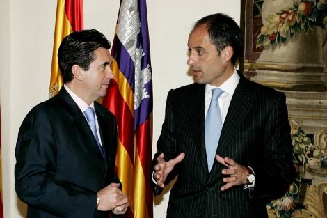 Jaume Matas y Francisco Camps, en una imagen de 2005.   Efe