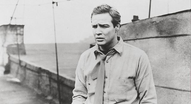 Marlon Brando, en un fotograma de 'La ley del silencio'.