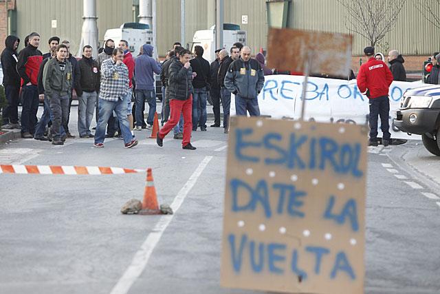 Piquetes a la entrada de la factoria de Sidenor en Basauri. | Iñaki Andrés