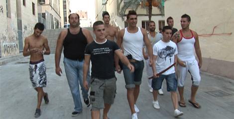 Escena de la película, rodada en barrios marginales de Alicante. | E.M.