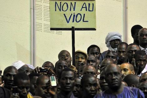 Ciudadnos del norte de Malí piden el cese de la violencia. | Afp