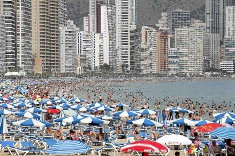 Playa de Benidorm.   Leslie Hevesi