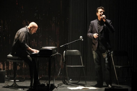 Manolo García durante su actuación de esta noche en Madrid. | Efe