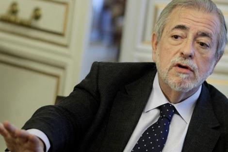 Antonio Beteta invitó a los funcionarios a olvidarse del 'cafelito'. | A. di Lolli