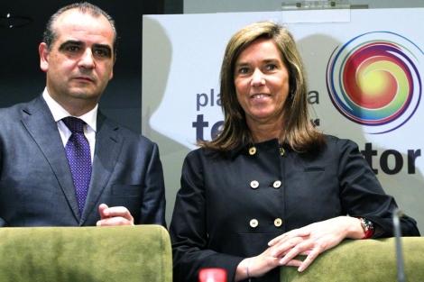 Ana Mato en la presentación de la Plataforma del Tercer Sector.  Efe/Sergio Barrenechea