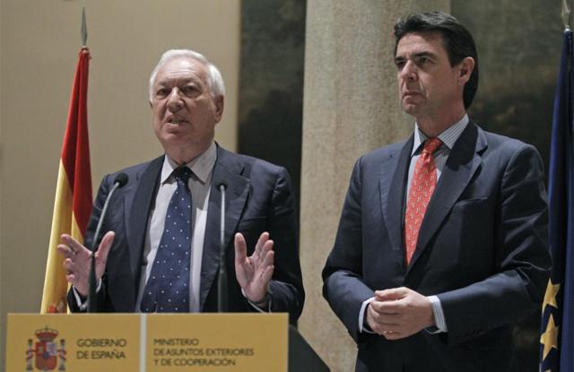 Los ministros José Manuel García-Margallo y José Manuel Soria valoran la expropiación. | Efe