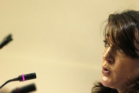 La portavoz socialista en el Congreso, Soraya Rodríguez, en rueda de prensa. | Efe/J. Lizón