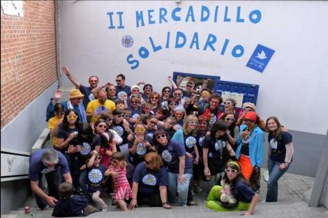 Imagen del mercadillo solidario organizado por integrantes de 'Movimiento por la Paz'