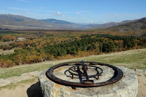 Veleta de cumbres en el Mirador de Los Robledos.| Marga Estebaranz