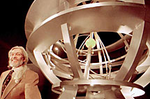 Rafael Trénor con su esfera.