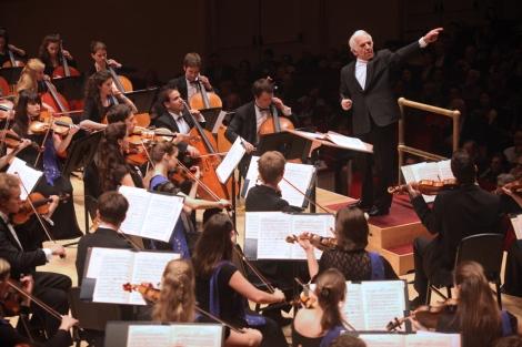 Un momento de la actuación de la Joven Orquesta de la UE en Nueva York. | Steve J. Sherman