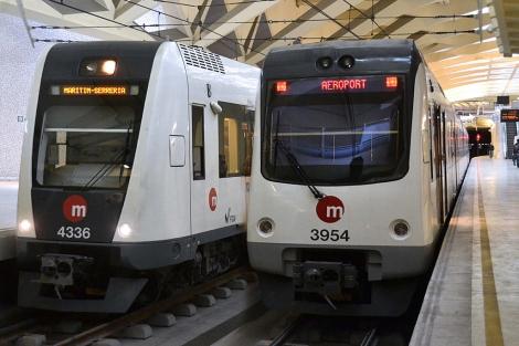 Una de las unidades en venta, a la derecha, junto a su sustituta en la estación de Alameda | FGV